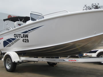 Stacer 429 Outlaw Side-Console